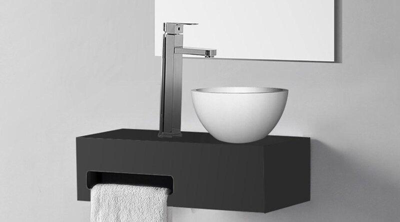 Toilet fontein met handdoekhouder